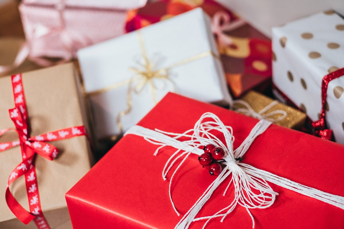 5 Simple Gifts To Get Your Friends For Christmas